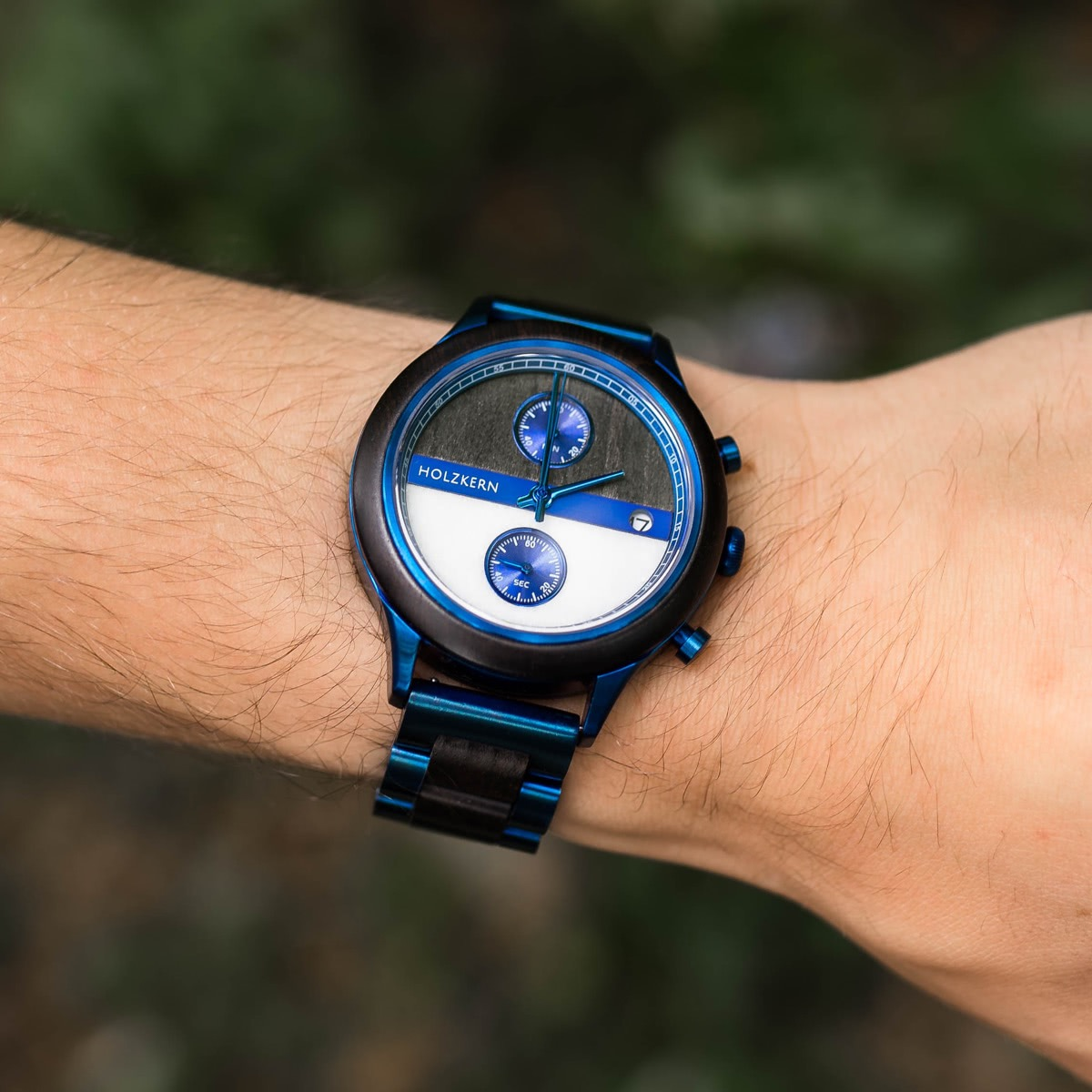 Holzkern creates men's wood watches like Bixby on this picture
