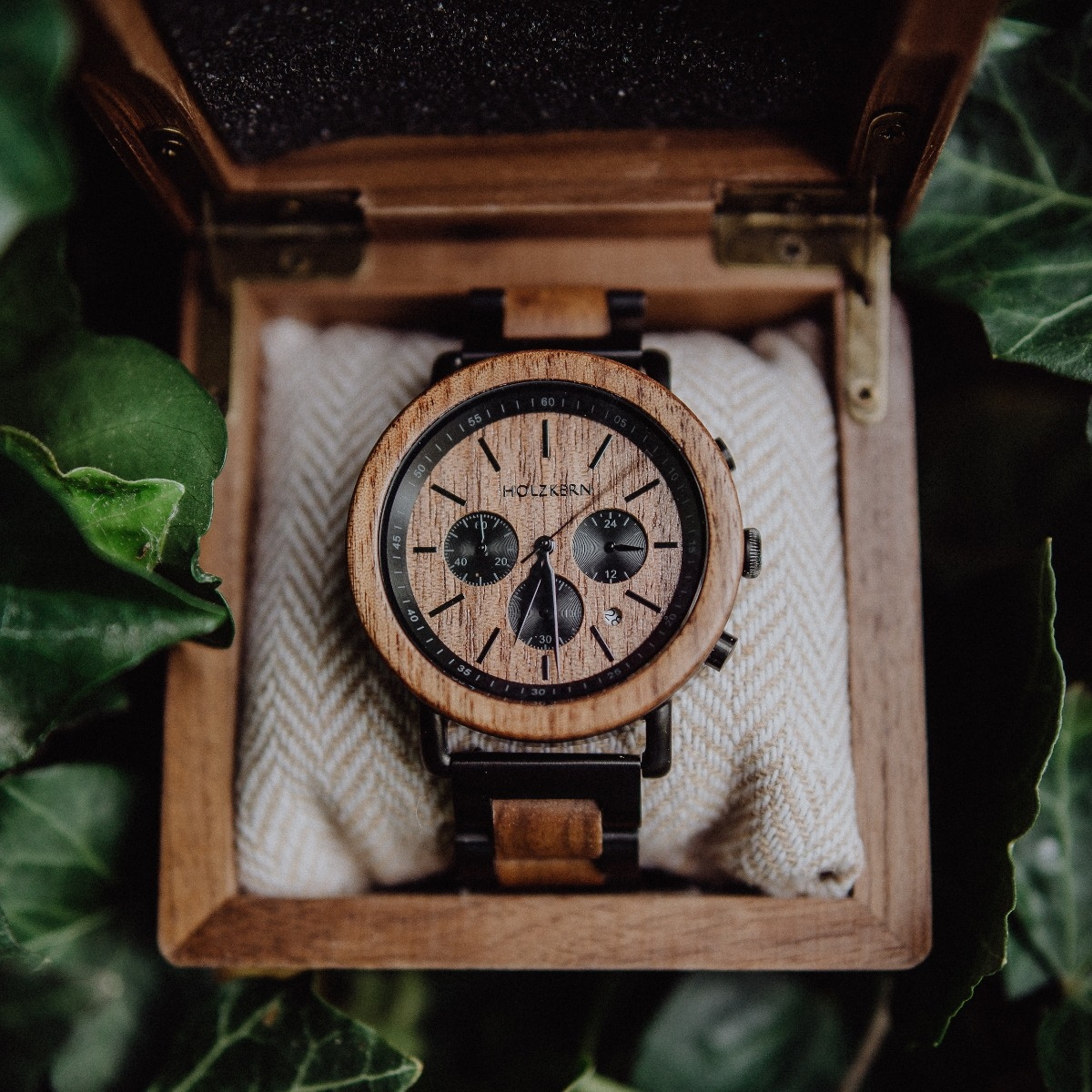 Dusk, a wood watch by Holzkern