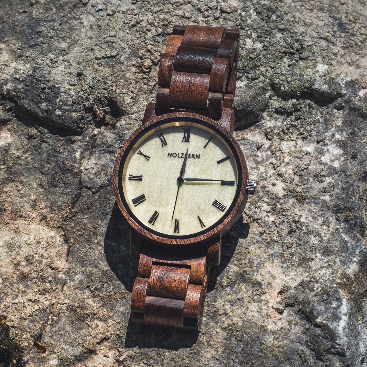Wood watch Fall Dusk made of walnut and bright maple