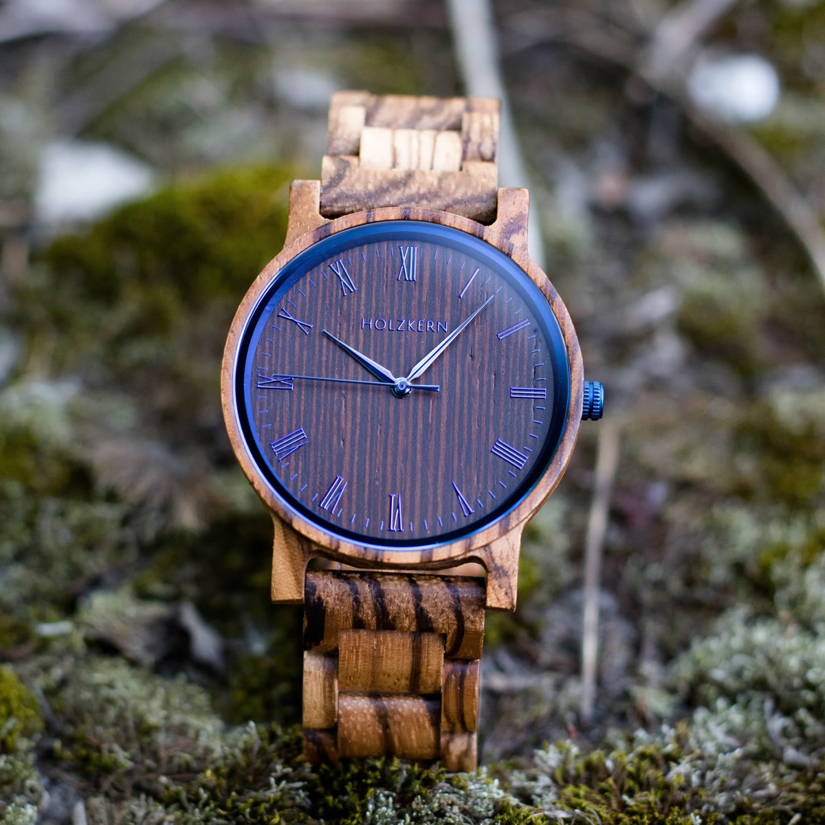 Wood watch Fall Morning is for both men and women