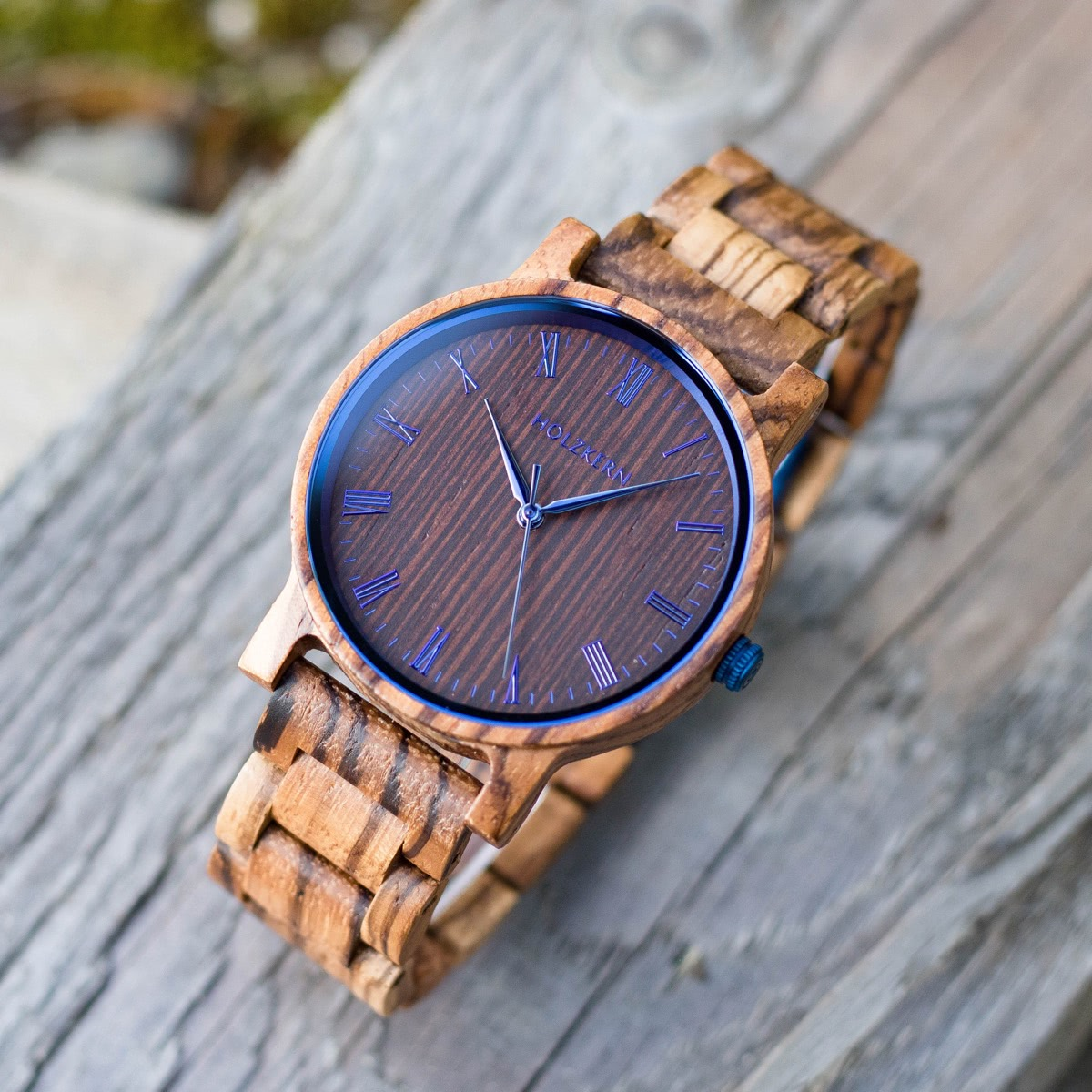Wooden watch Fall Morning by Holzkern with blue steel elements