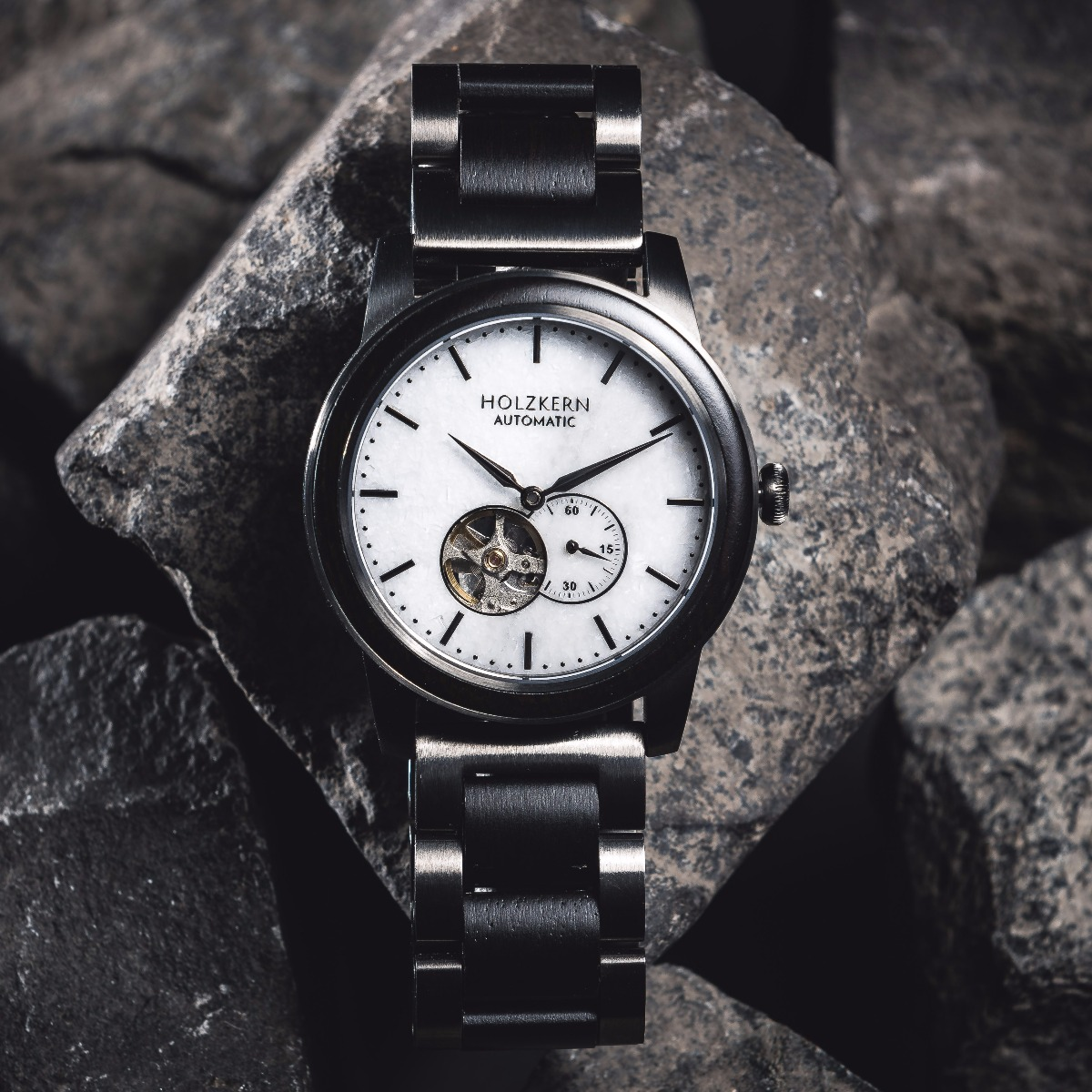 Mechanical wood watch Manhattan with a dial made of marble