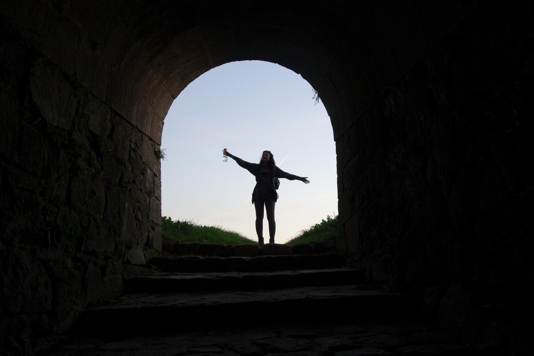 Mensch im Tunnel