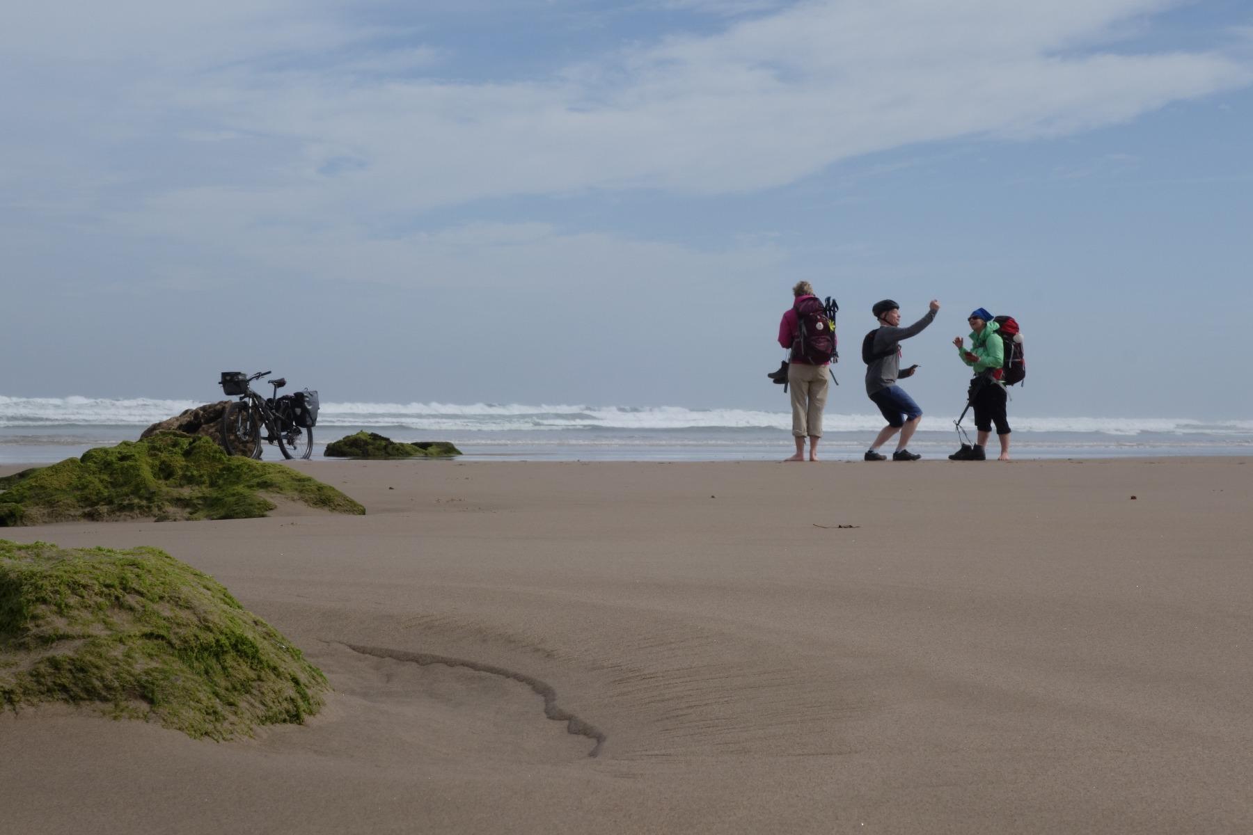 Pilger am Strand