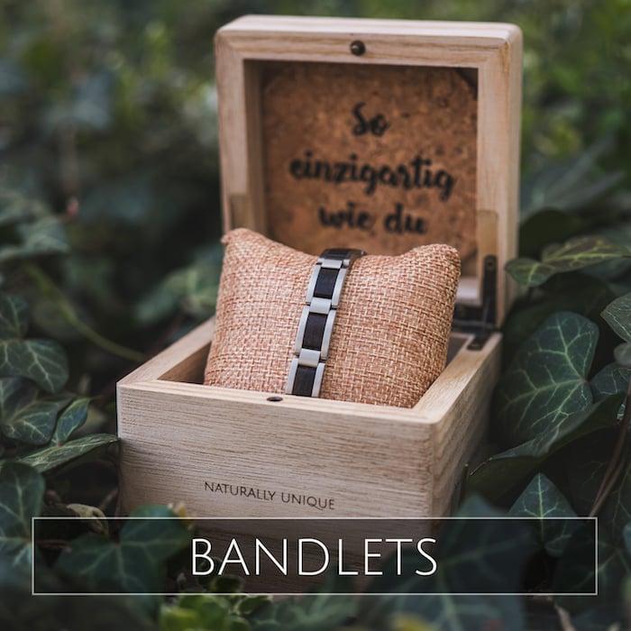 Holzkern Bracelets